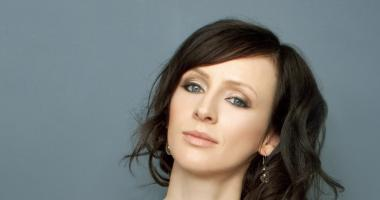 Photo of Sarah Slean